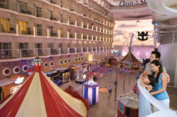 Die Promenade auf der Royal Caribbean Oasis of the Seas